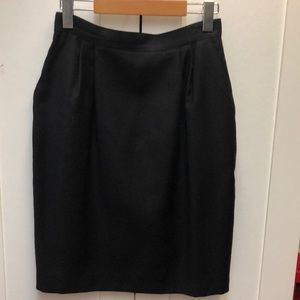 classic 100% wool lined skirt